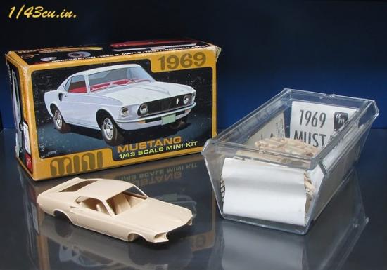 amt_69_Mustang_08.jpg