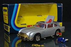Corgi_bond_car_db5_ft2_2