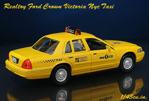 Realtoy_crown_vic_nyc_rr1_2