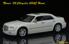 Norev_chrysler_300_ft2_2
