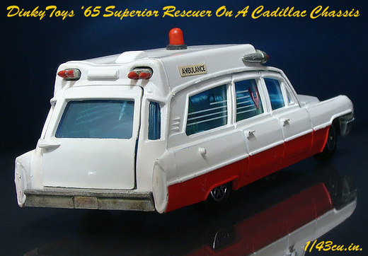Dinky_cadillac_ambulance_2