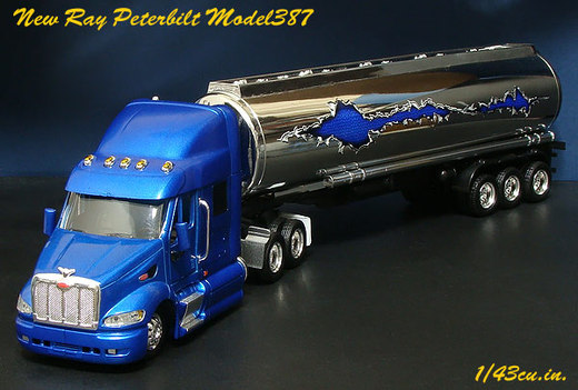New_ray_peterbilt_387_4