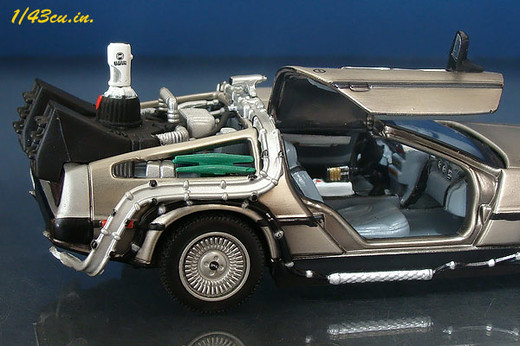 Skynet_delorean_05