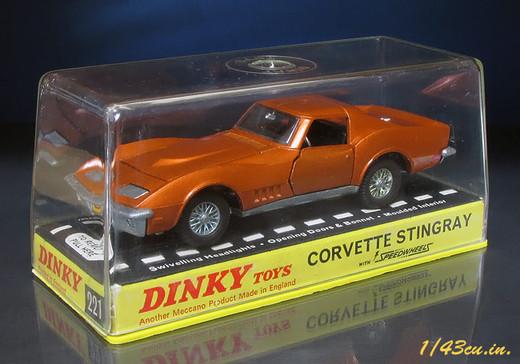 Dinky_69_corvette_7