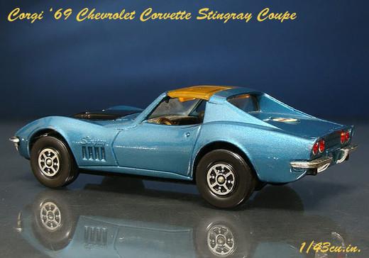 Corgi_69_corvette_5