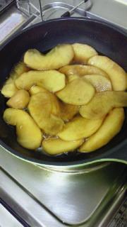 リンゴの炊いたん