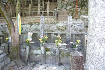 龍馬、中岡慎太郎の墓