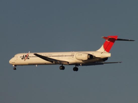 MD90_JL1.jpg