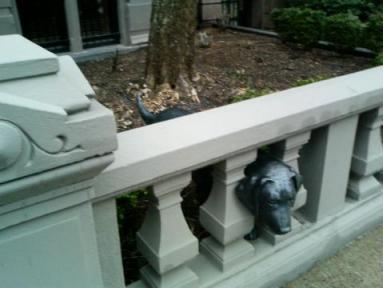 ボストン庭の犬の置物