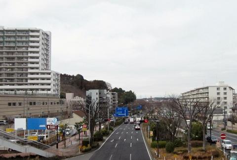 下永谷駅前