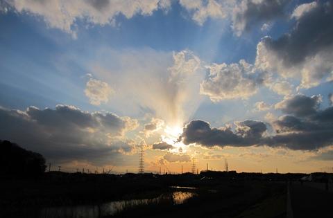 鶴見川夕焼け雲
