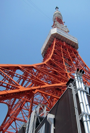 東京タワー下から2