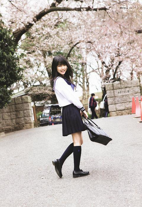 セーラー服 真野恵里菜 桜