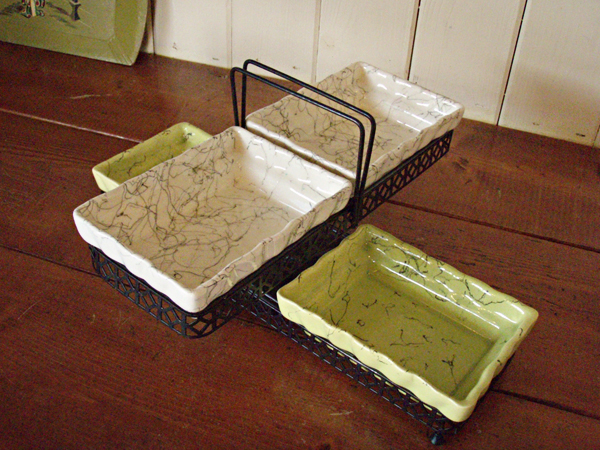 Green_and_Ivory_Tray.jpg