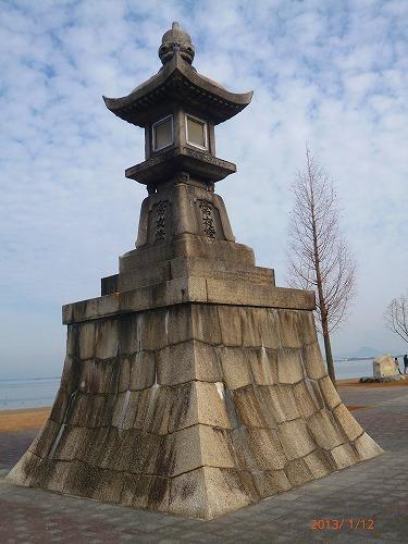 琵琶湖石場常夜灯130112