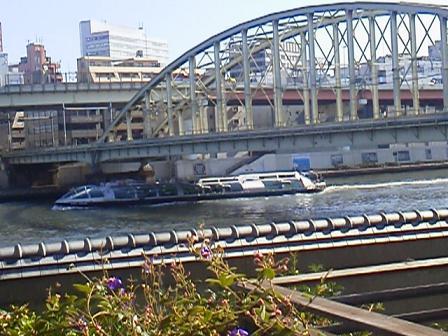 121019ルーサイトテラス右、橋と船