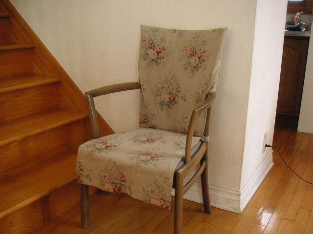 YUWAの布で、椅子カバー