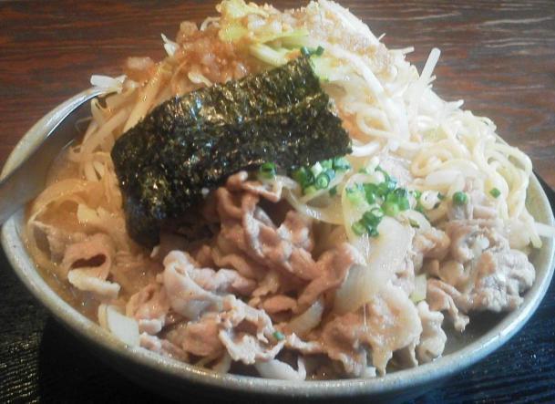 肉そば大盛(同料金)+野菜増し680円+100円