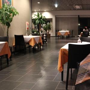 本館 レストラン