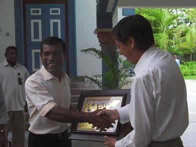 大統領とスリランカの日本大使