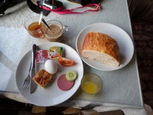 17breakfast.jpg