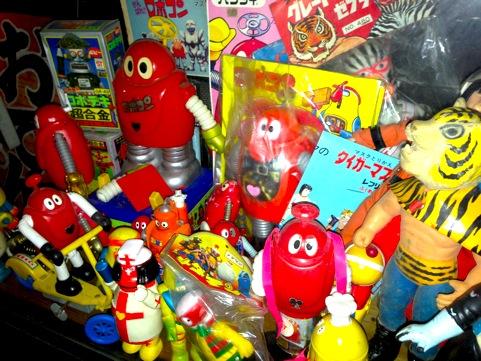 ako_toys16.jpg