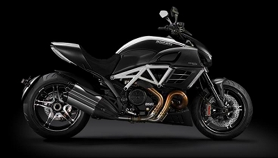 s-Model-Page_2012_Diavel-AMG_2_[960x420]