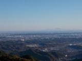北西に筑波山を望む