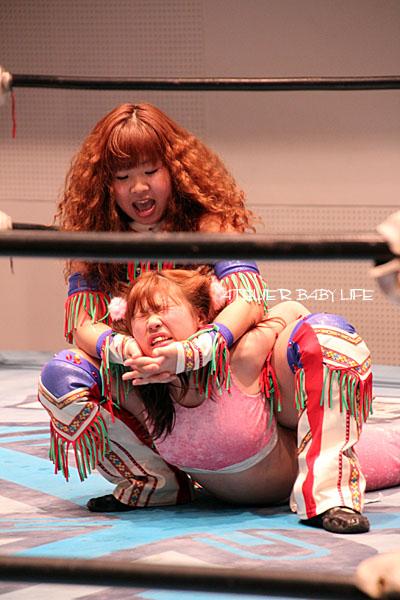 米山香織選手とラビット選手