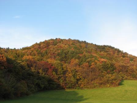 紅葉の燧堀山