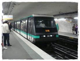 Paris メトロ 0002-1