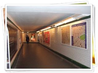 Paris メトロ通路0001-1