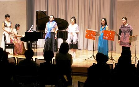 コンサートin名細2013のステージ