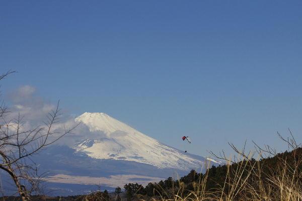 富士山とハングライダー1