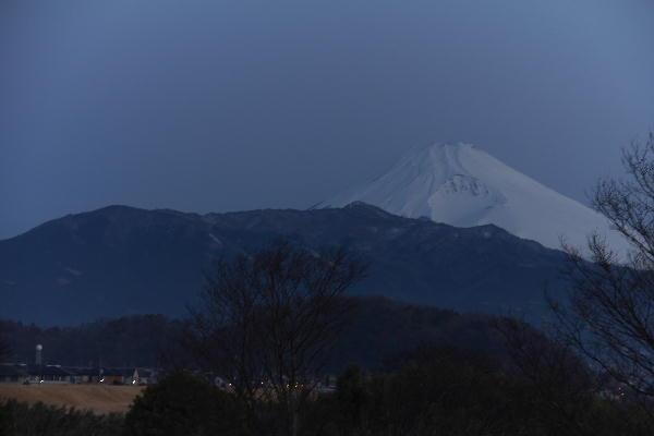 川霧夜明け-1