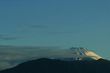 IMG_0833-1.jpg夜明けの富士山-2.jpg