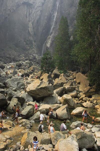 IMG_0522.jpg ヨセミテ滝の下.jpg