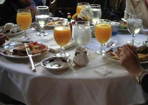 IMG_0642.jpg アワニーの朝食.jpg