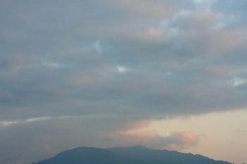 IMG_2141.jpg 10.4 富士山はこの雲の中.jpg