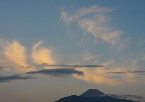 IMG_2326.jpg 10.9 -富士山と雲-33.jpg