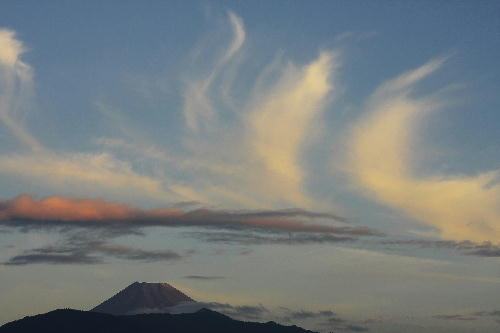IMG_2342.jpg 富士山と雲-600-55.jpg