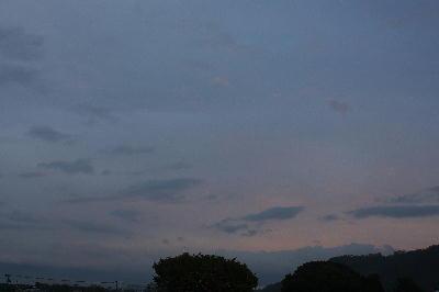 IMG_2818.jpg  10.25-6.09-夜明け.jpg