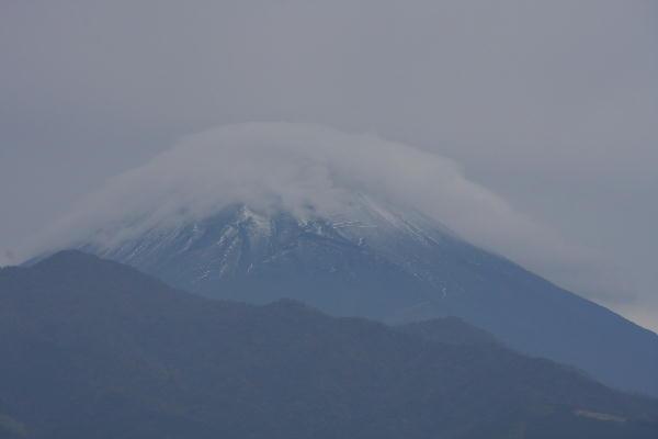 IMG_2842.jpg  富士山と傘雲-444.jpg