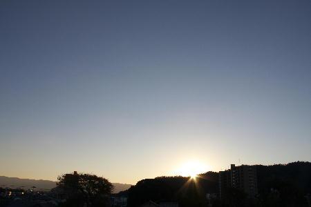 IMG_3875.jpg 11.21-6.54-日の出.jpg