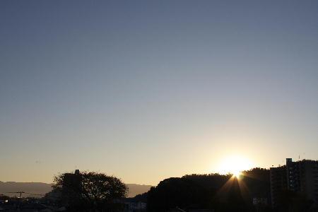 IMG_3885.jpg  11.22-6.55-日の出.jpg