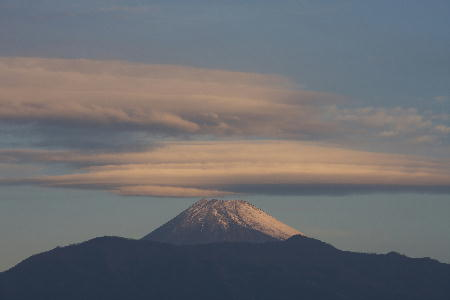 IMG_4003.jpg  11.23-6.43-今朝の富士山.jpg