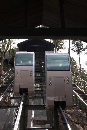 IMG_0515.jpg 身延山のエレベーター.jpg