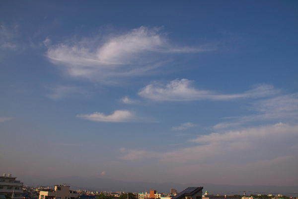 IMG_3108.jpg 梅雨の間の雲-108-3333.jpg