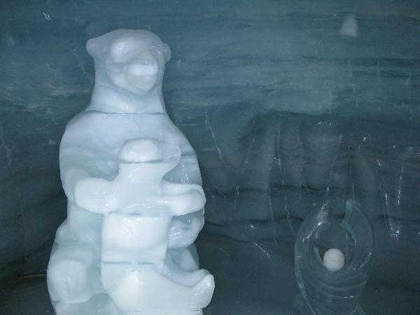 IMG_2467.jpg  氷河の美術館-467.jpg