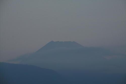 IMG_7191.jpg 10.4-5.47-今朝の富士山.jpg